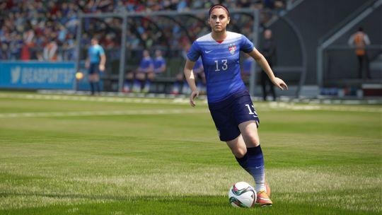 Den amerikanske spilleren Alex Morgan i aksjon. (Bilde: EA).