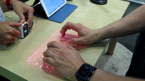 Du kan skrive ganske kjapt på lasertastaturet.