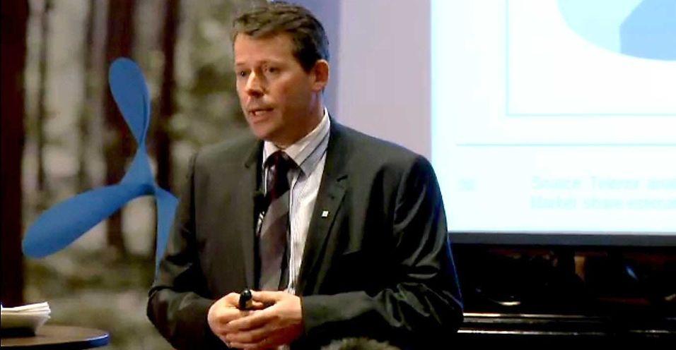 Markedsdirektør Ric Brown i Telenor Norge beskrev på et seminar i London hvordan Telenor systematisk får kundene til å kjøpe dyrere abonnementer.