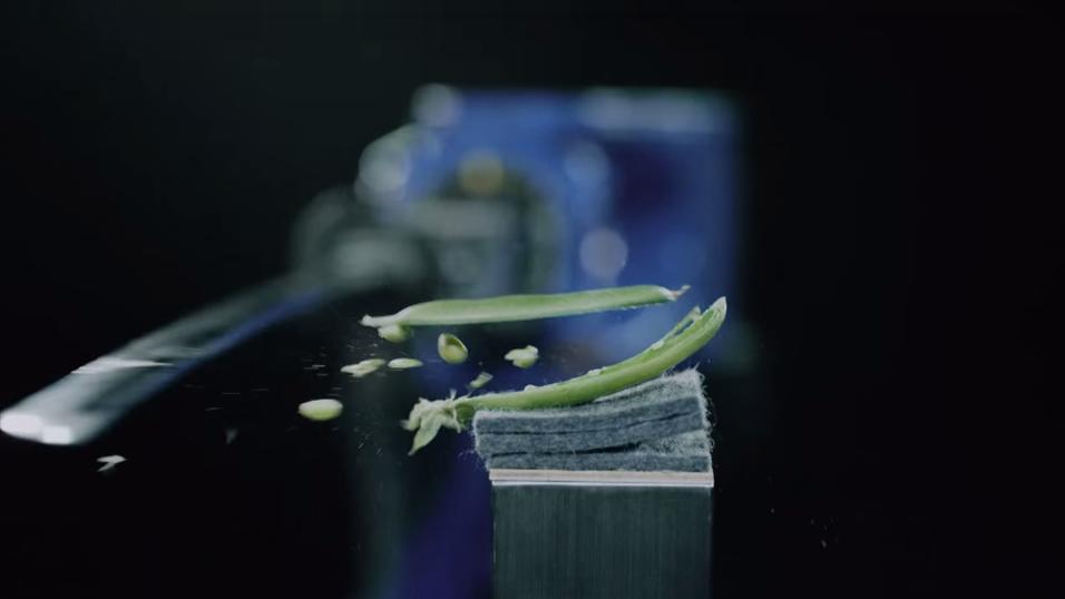 Å skjære en ertebelg i to på langs er bare noe av det roboten er i stand til.