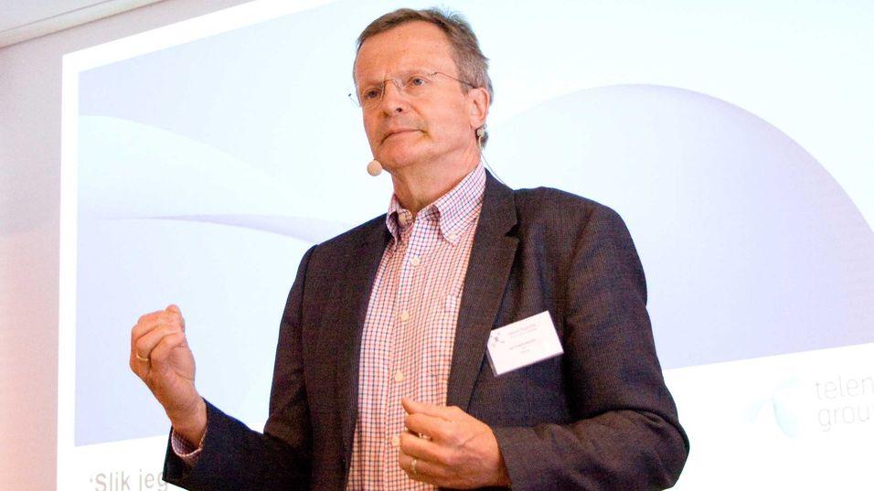 Konsernsjef Jon Fredrik Baksaas i Telenor oppfordret norske myndigheter til å tildele 700 MHz-båndet til mobilformål før dagens frekvenstillatelse til NTV går ut i 2021. Han mener det vil utløse nye investeringer i telebransjen.