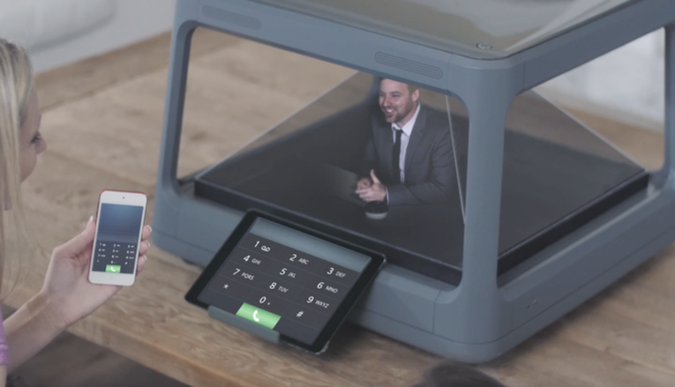 DAGENS DINGS: Denne hologramskjermen kan du bruke med mobilen og nettbrettet
