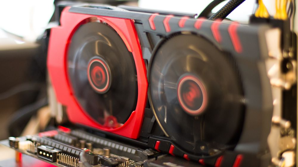 MSIs R9 390X Gaming 8G med Twin Frozr V-kjøler er også lekker å se på.