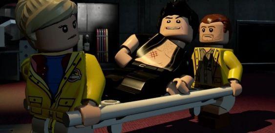 Lego eller ikke - mannen på båren har en egen evne til å lette på stemningen.