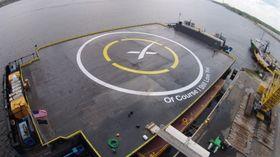 SpaceX skal nok en gang forsøke å lande Dragon 9-raketten på lekteren – eh, «droneskipet» sitt.