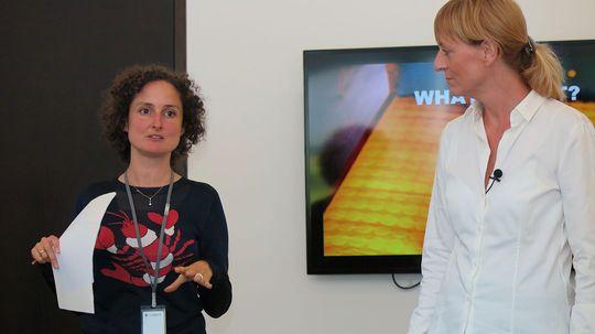 Juliette Legrand, direktør for PR og sosiale medier, her sammen med Charlotte Johs, direktør for global merkevareutvikling i Logitech. Sammen forsøker de å reprofilere Logitech som et mer offensivt og fargerikt selskap. .
