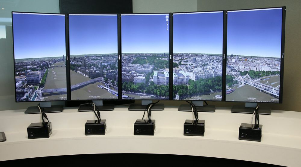 Gigabyte kunne vise frem Google Earth i panoramamodus, der hver enkelt skjerm ble drevet av hver sin lille Gigabyte Brix.