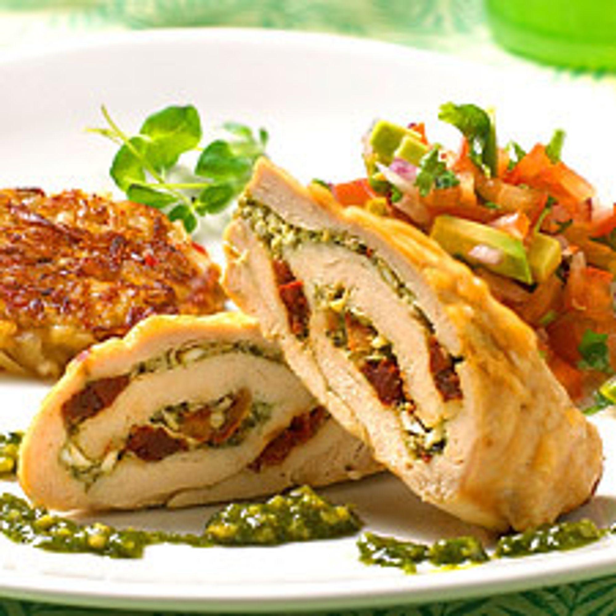 Lardostekt kyllingbryst med mandel- og fløtesaus