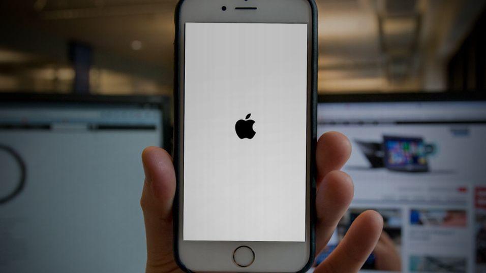 Starter iPhone-en din på nytt flere ganger om dagen?