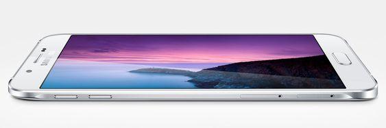 Syltynn: Galaxy A8 blir Samsungs tynneste mobil til dags dato, men den har likevel et stort batteri. Om den kommer til Norge er foreløpig usikkert.