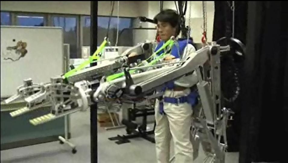 Slik ser den nye robotdrakten til Panasonic ut.