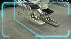 Maskinen lar brukeren også bevege beina.