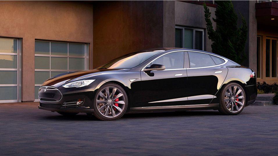 Tesla Model S blir oppgradert på flere fronter – både rekkeviddemessig og akselerasjonsmessig.