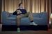Sofaen han sitter i skjuler et Kickstarter-prosjekt verdt flere tusen kroner