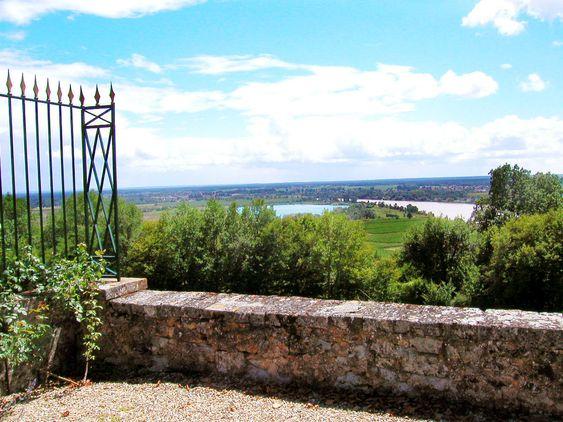 Entre-Deux-Mers er ikke bare idyllisk, men gir også gode viner til svært gunstige priser. .
