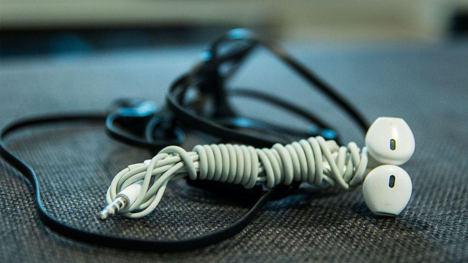 GUIDE: Lei av at ledningen krøller seg sammen?