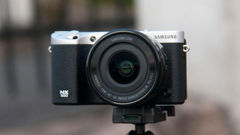 Samsung NX500.