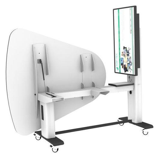 ALT I ETT: Bord som dette, såkalte «pods» kobler du bare til med én strømkabel. Alt av skjermteknologi, kabler og kontakter er integrert i bordet, som også kan vippes og stues inntil veggen.