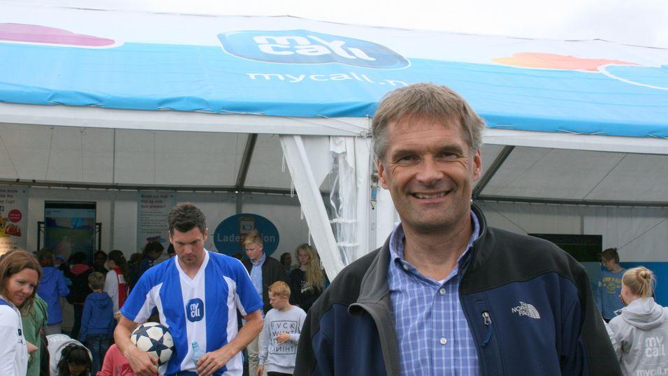 Teliasoneras norgessjef Abraham Foss besøkte Mycall-teltet på Ekebergsletta tirsdag.