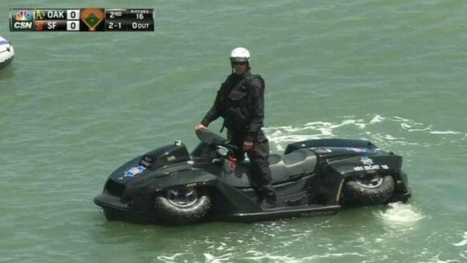 San Francisco-politiets nye doninger går både på land og på vann