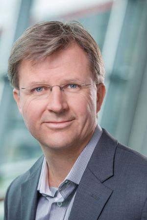 Forskningsleder Bjørn Hansen sier Telenor kan leve med EU-kompromisset rundt de spesialiserte tjenestene.