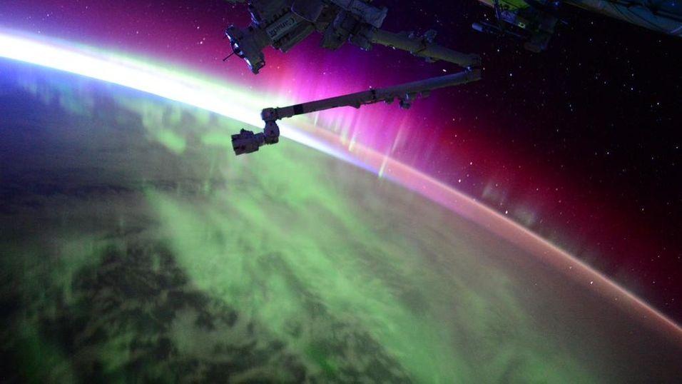 ISS-astronautene har orkesterplass når det er nordlys.