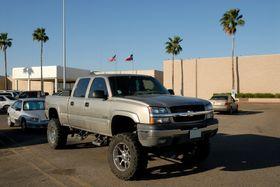 Amerikanerne heller kanskje mer mot bensinslukende pickuper enn biler, så lenge oljeprisen holder seg lav.