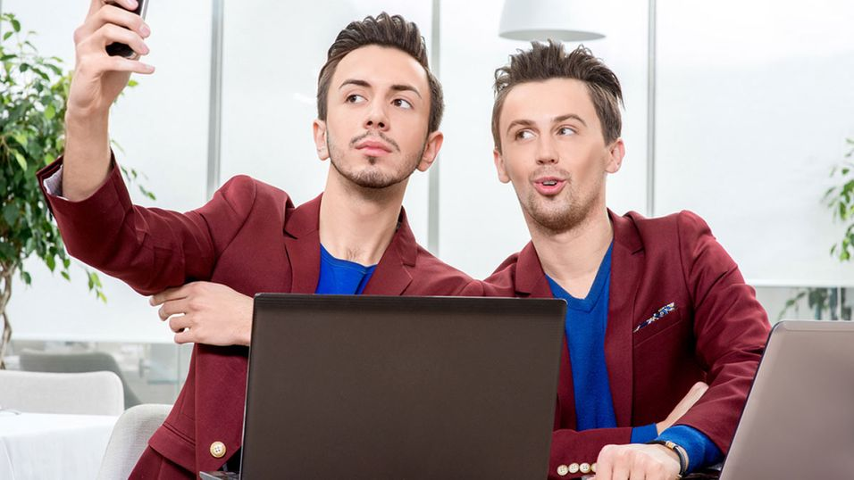 Selv om tvillinger har nesten like ansikt, klarer Windows 10-funksjonen Hello å skille mellom dem.