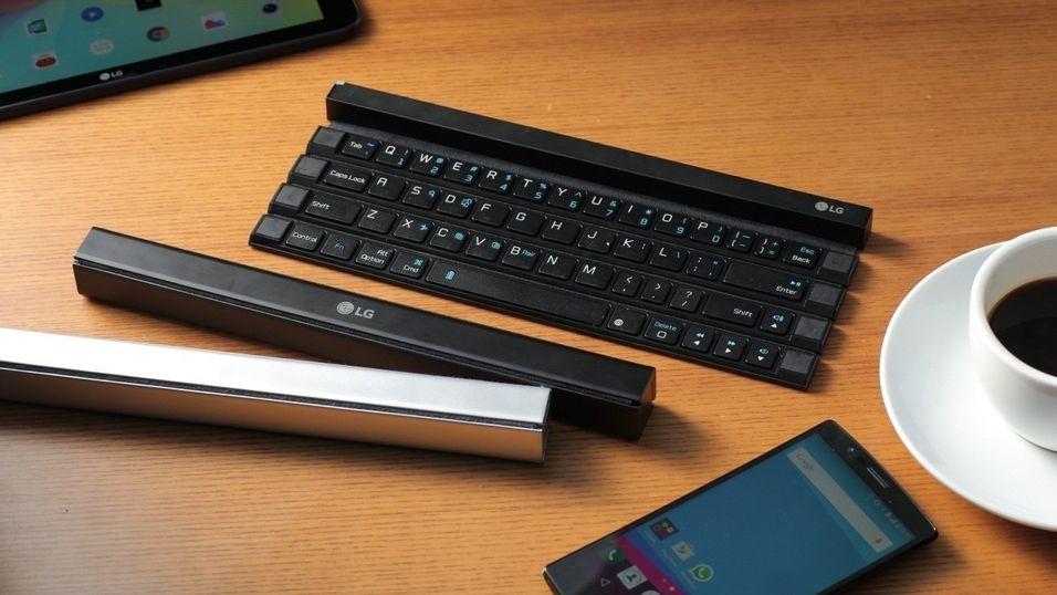 På dette bildet er det tre tastaturer