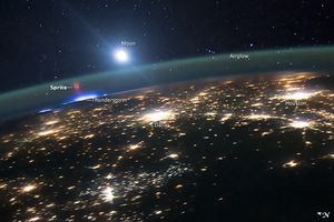 Lysånd over USA, med forklaringer på bildet.