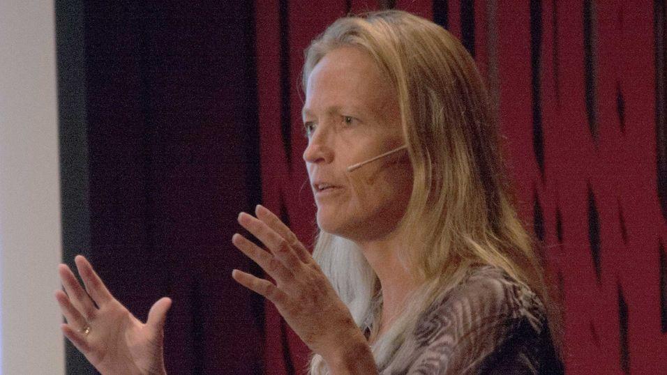 """Teknologirådets Hilde Lovett fortalte på konferansen """"Store data møter helse"""" om en rekke mobilløsninger som bringer diagnoser til kjøkkenbenken."""