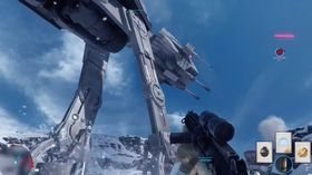 AT-AT Walker angriper opprørerne på planeten Hoth.
