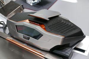 Asus ROG GX700 har en egen vannkjøling for å holde grafikken kjølig.