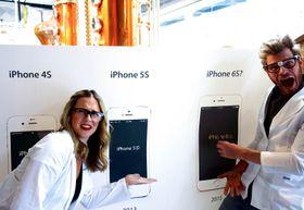Her konkluderer to «iPhone-forskere» med at navnet på neste iPhone – av helt vitenskapelige grunner – må bli kalt iPhone 6S. Hvem kunne vel ha forestilt seg det?