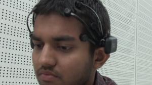 Konseptet benytter EEG-sensorer som festes til hodet.