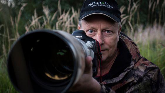 Baard Næss driver fotomagasinet Natur & Foto, har drevet med naturfotografi i en mannsalder, vunnet flere priser og skrevet flere bøker om natur og naturfoto.