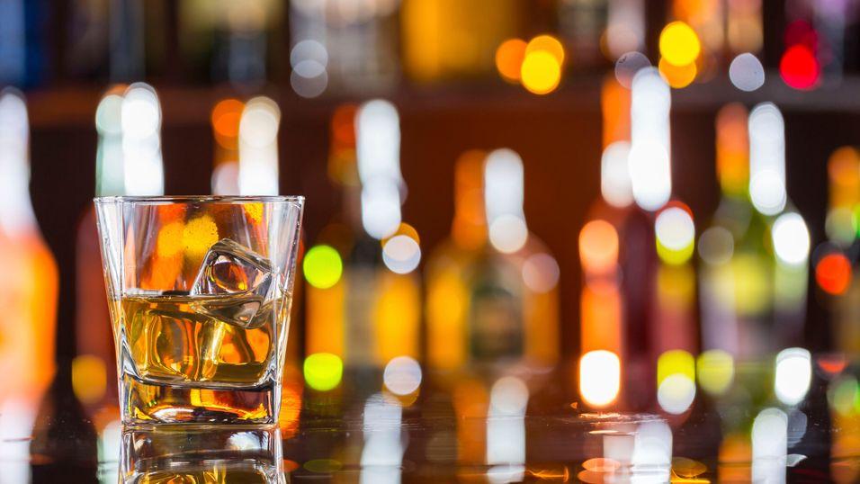 Bli med på en solid rundreise i whiskyverden