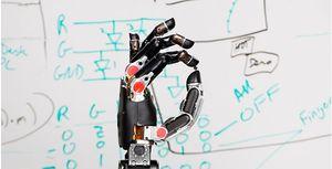Illustrasjonsbilde av den mekaniske hånden hentet fra DARPA.