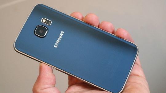 Galaxy S6 Edge er «...et smykke av en supermobil...», ifølge vår søsterside Tek.no.