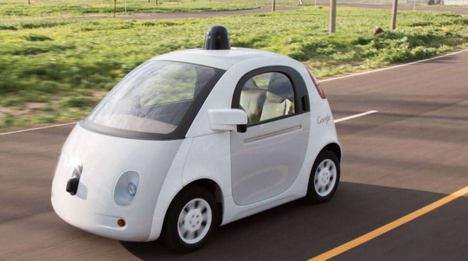 Google skal kanskje bruke sine selvkjørende biler, her avbildet, som et ledd i en egen taxi-tjeneste som ligner på Uber.