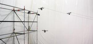 Hardtarbeidende droner.