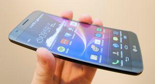 LG G Flex var det første produktet i vanlig salg med POLED-teknologien.