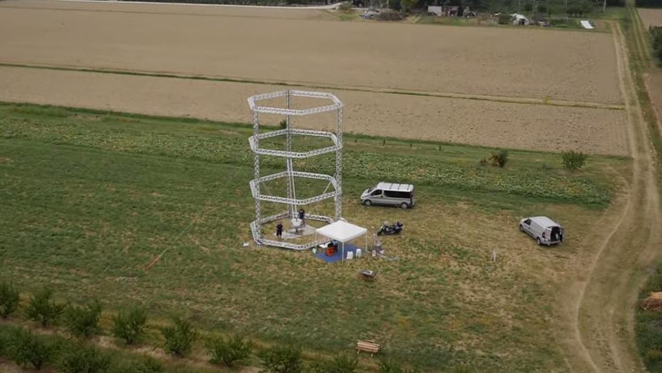 Den 12 meter høye 3D-skriveren «BigDelta».