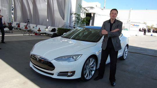 Tesla-sjef Elon Musk har stor tro på batteriutviklingen de kommende årene.