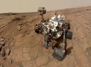 Curiosity surrer fortsatt rundt på Mars. Det blir nok en stund til vi kan gjøre det samme.