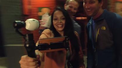 Denne håndholdte kamerariggen gir deg fjellstabil video i 4K