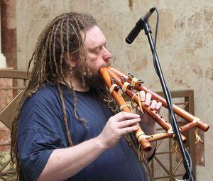 Jaron Lanier er også en fan av sjeldne musikkinstrumenter.