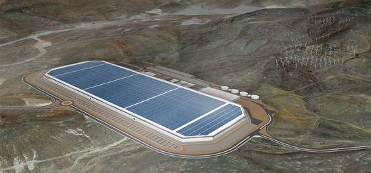 Slik skal en del av Teslas Gigafactory se ut i ferdig tilstand. Det var på dette anlegget de to journalistene befant seg.