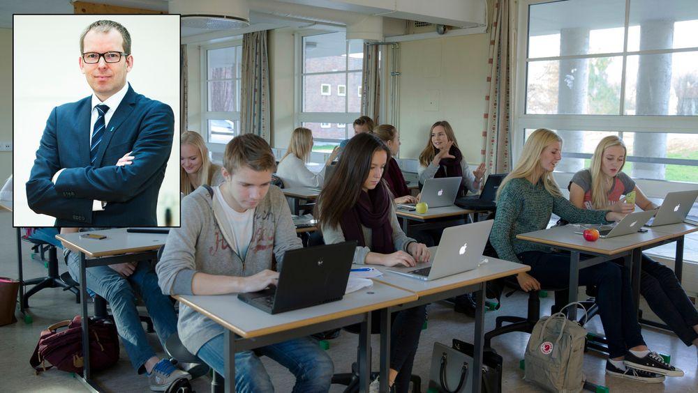 Håkon Haugli (innfelt) sier mye tyder på at norsk skole ikke utnytter de digitale mulighetene.