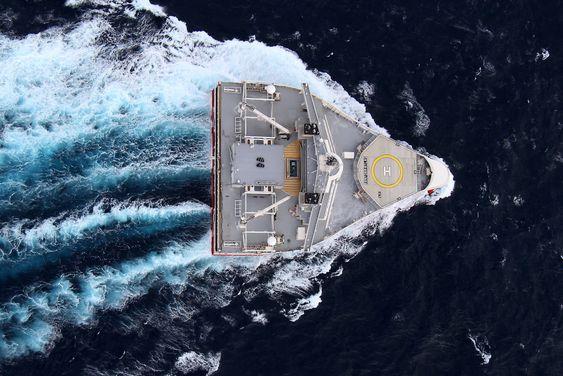 Bred: Med 70 meters bredde i vannlijen er PGS Titan-klassen verdens bredeste skip.